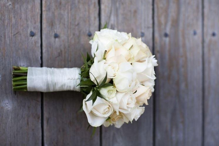 Bouquet Sposa Bianco.Bouquet Da Sposa Bianco Regalare Fiori Bouquet Da Sposa 11