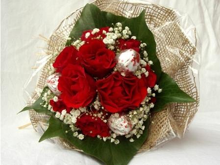 Mazzo Di Fiori San Valentino.Fiori San Valentino 8 Regalare Fiori Fiori San Valentino 8