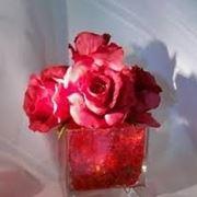 bouquet sposa con rose rosse e bianche