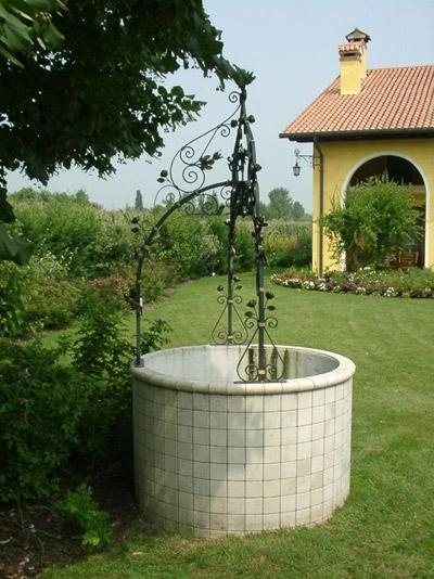 Pozzi Da Giardino In Pietra.Pozzi Da Esterno Elementi Progettazione Giardini Pozzi 1