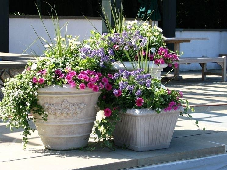 Caratteristiche delle fioriere in giardino