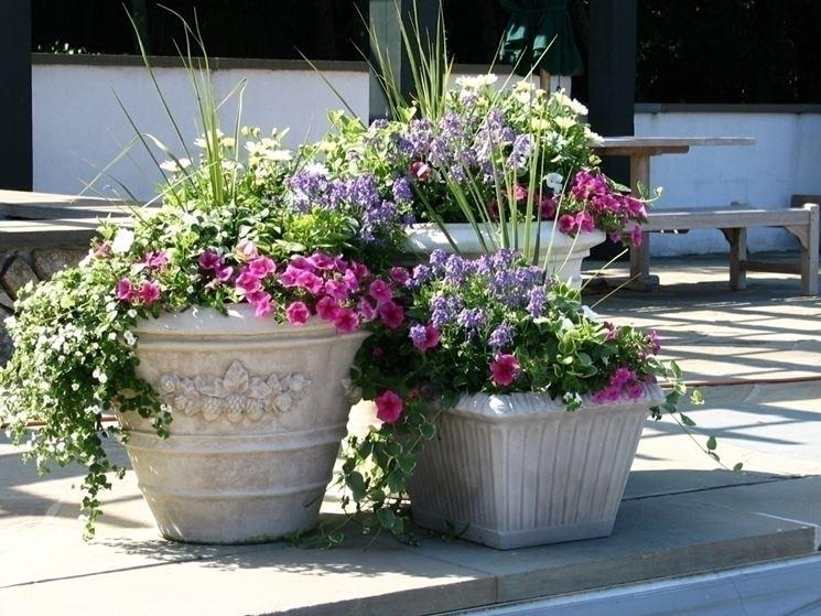 Caratteristiche delle fioriere in plastica rotazionale