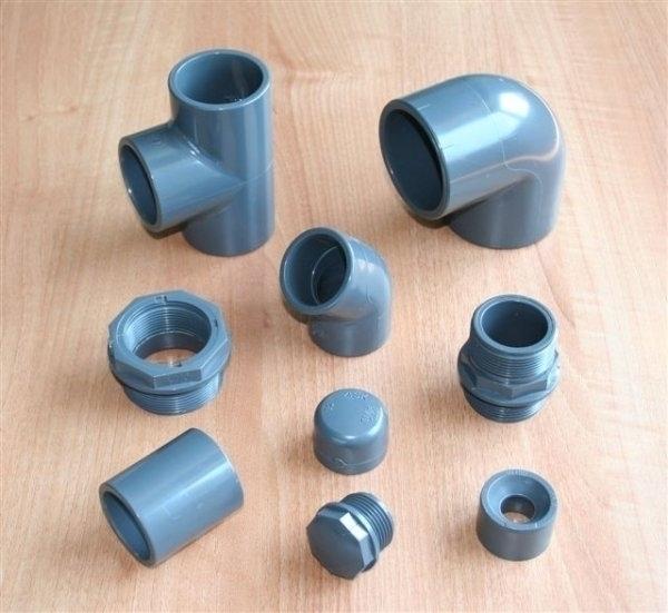 vari tipi di raccordi tubi accessori irrigazione